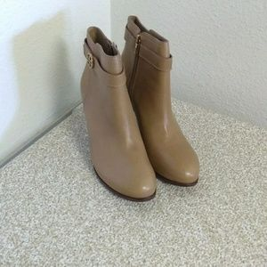 Tory Burch Mismatch 9.5/10 Ankle Boots